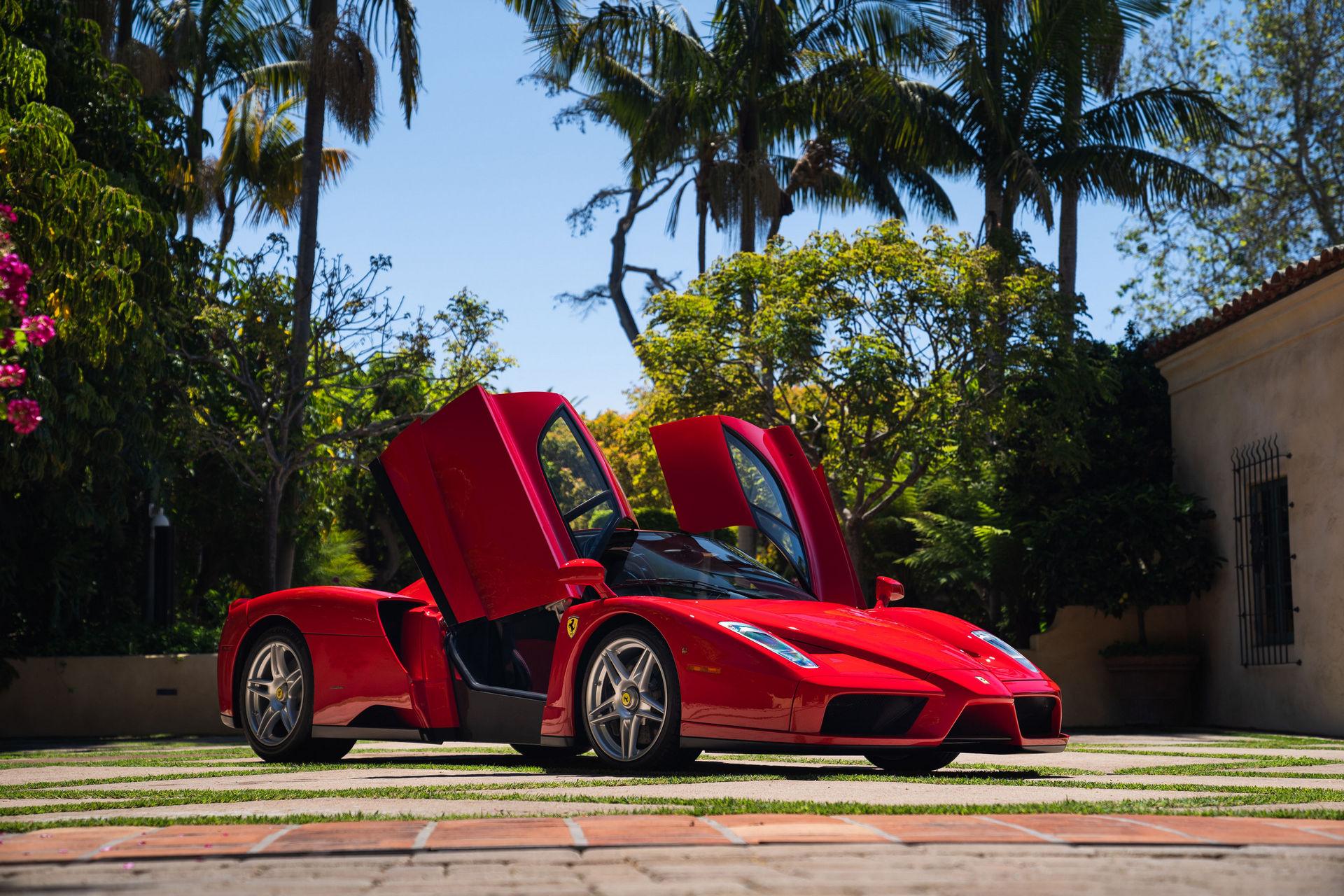 فيراري إنزو تصبح أغلى سيارة في التاريخ تباع في مزاد على الإنترنت – صور